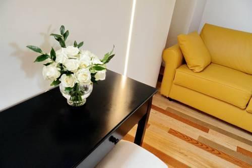 Photo 27 - Charming Apartment Hub Spagna