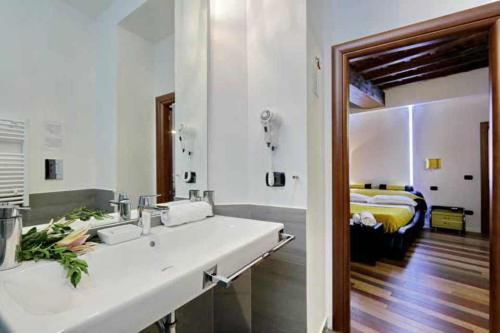 Photo 33 - Charming Apartment Hub Spagna