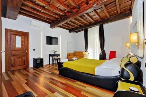 Photo 3 - Charming Apartment Hub Spagna