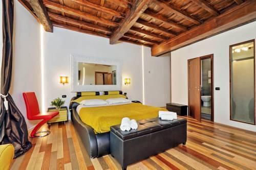 Photo 21 - Charming Apartment Hub Spagna