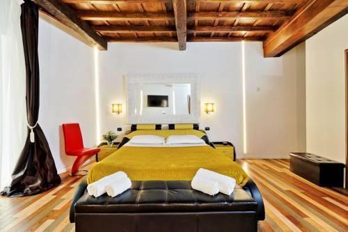 Photo 28 - Charming Apartment Hub Spagna