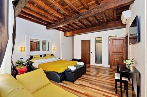 Photo 40 - Charming Apartment Hub Spagna