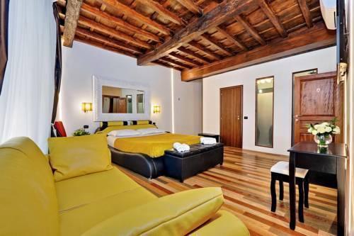 Photo 5 - Charming Apartment Hub Spagna