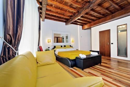 Photo 17 - Charming Apartment Hub Spagna