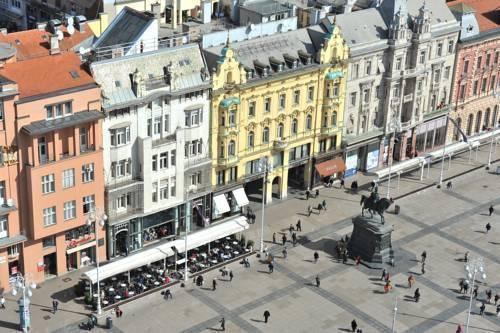 Photo 18 - Main Square Residence