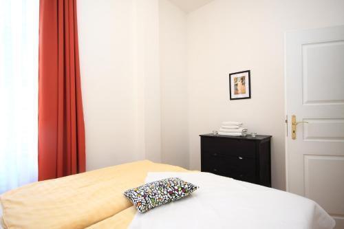 Photo 7 - Theatre Residence
