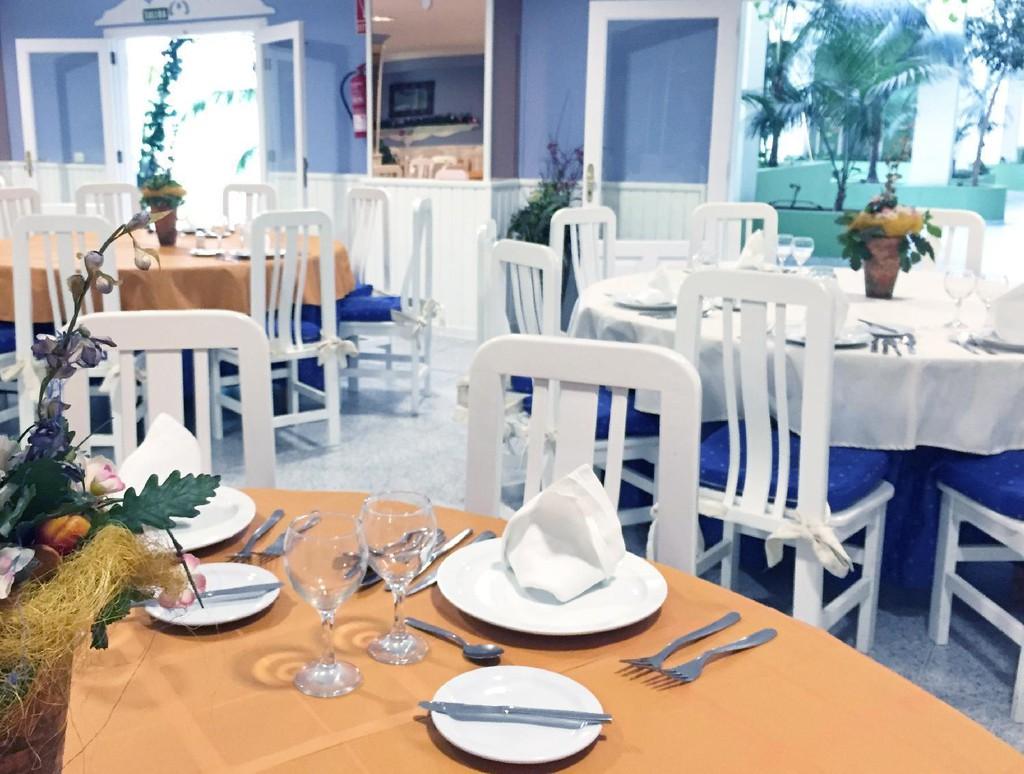 Photo 3 - Apartamentos Bahia Playa