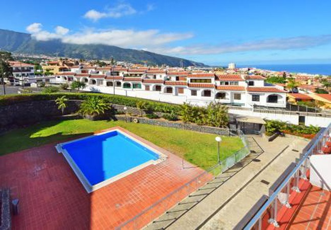 Photo 1 - Apartment in Los Realejos with swimming pool