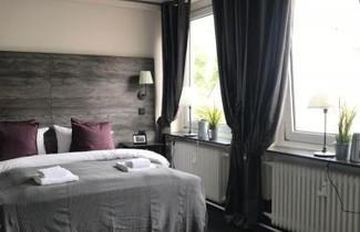 Photo 1 - Hamburg Room