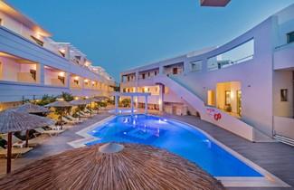 Photo 1 - Delfina Art Hotel