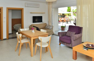 Foto 1 - Odyssey Residence Apartments