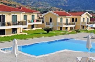 Foto 1 - Captain's Villas