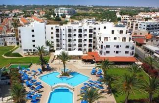 Photo 1 - Seagull Hotel Apartments