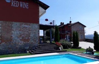 Photo 1 - Red Wine Camere