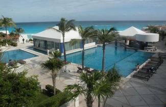 Photo 1 - Cancun Beach ApartHotel by Solymar