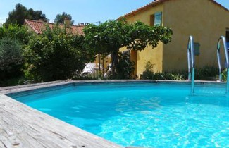 Photo 1 - Haus in Puyloubier mit privater pool