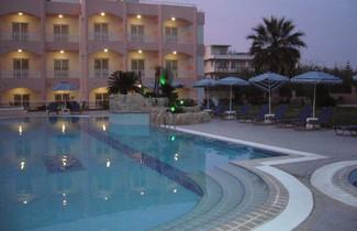 Foto 1 - Rhodian Rose Hotel