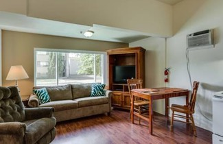Maple Leaf Manor Furnished Apartments 1