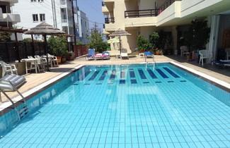 Foto 1 - Caravel Hotel Apartments