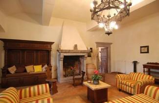 Lake Bolsena Villa Sleeps 16 Pool Air Con WiFi 1