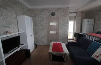 Apartment On Orbitovskaya 1