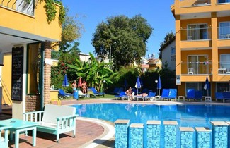 Photo 1 - Begonville Apart Hotel