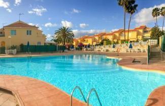 Photo 1 - Bungalow terraza privada barbacoa y piscina by Lightbooking