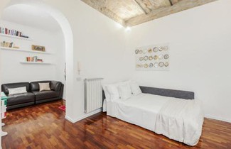 Amazing 2 bed flat near Trevi fountain 1