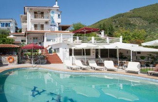 Photo 1 - Hotel Rea