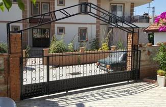 Foto 1 - Karya Apartments