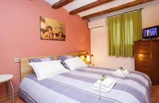 Photo 1 - Rustic Poble Sec Apartment