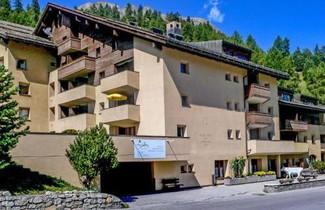 Photo 1 - Apartment Chesa Munteratsch 311