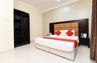 Photo 1 - OYO 427 Royal Al Khaleej Furnished Apartments 2