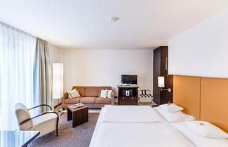 Foto 1 - BURNS Apartments