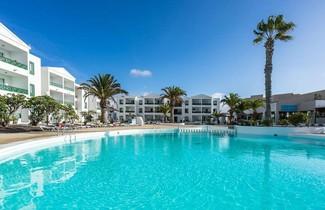 Photo 1 - Blue Sea Apartamentos Costa Teguise Beach