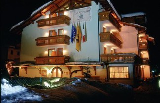 Photo 1 - Aparthotel in Carisolo with terrace