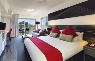 Photo 1 - Oaks Townsville Metropole Hotel