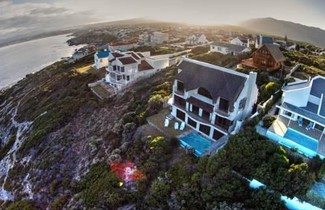 Photo 1 - Whale Huys Luxury Ocean Holiday Villa