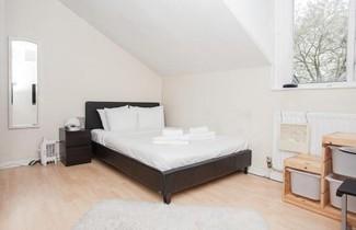 Photo 1 - Amazing 2-Bed Just Minutes From Paddington