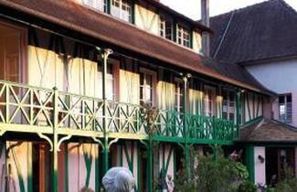 Photo 1 - Haus in La Chapelle-Longueville mit terrasse
