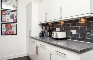 1 Bedroom Flat near Tower Bridge 1