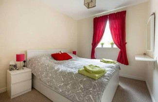 Foto 1 - 2 Bedroom Apartment Near City Centre Sleeps 4