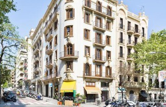 Photo 1 - thesuites Barcelona