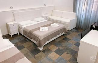 Foto 1 - Golden Nice Apartment