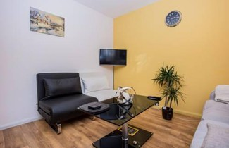 Photo 1 - Maida Vale 1-Bedroom Apartment with a Balcony