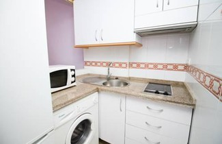 Colourful & Cosy Flat With Parking 1