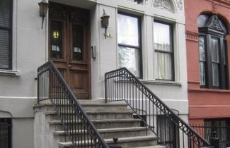 Photo 1 - NYC Townhouse Apartment