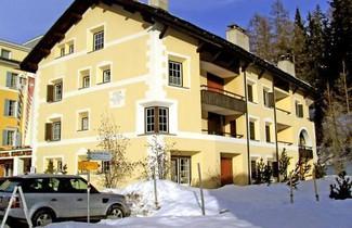 Photo 1 - Apartment Chesa Alvetern 5