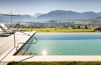 Foto 1 - Apartment in Appiano sulla Strada del Vino with private pool