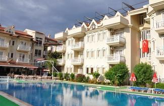 Photo 1 - Sundream Apartments